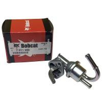 Насос топливный 7011982 погрузчика Bobcat.